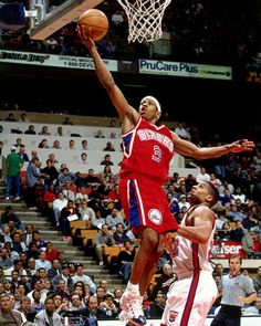 Allen Iverson Sixers 90 S Imagens e fotografias - Getty Images Basketball Is Life, Basketball Skills, Basketball Legends, Nba Basketball, Allen Iverson The Answer, Best Dunks, Reebok Question Mid, Inside The Nba, Nba Pictures