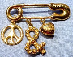 MOSCHINO PEACE AND LOVE GOLD TONE SAFETY PIN BROOCH-1980'S FABULOUS DESIGN-MINT #MOSCHINO