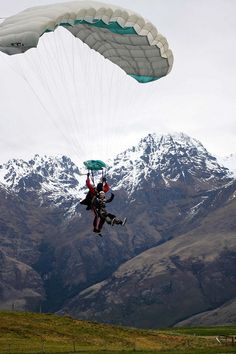 Skydiving, Otago, New Zealand. Let's do this or Parahawking in Nepal... Hmm m thinkin :)