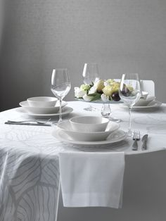 Valo Table Cloth | Festive Valo (Light) tablecloth is made of 100 % cotton satin. Designed by Anu Pentik, the petal-like illustration of Valo design gives a distinctive, peaceful feeling to the products of the range.