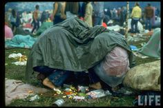 vintage everyday: 40 Rare and Interesting Color Photos of the Woodstock Music & Art Fair, August 1969