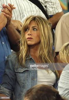598afe79166a Actors Jennifer Aniston and Owen Wilson on location during the.