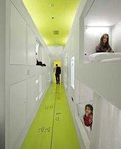 100 días para transformar un antiguo centro comercial en un moderno hostal » Blog del Diseño