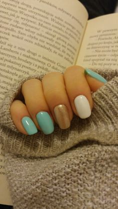 Nails & book ❤ semilac nailart