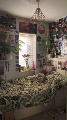 Room Design Bedroom, Room Ideas Bedroom, Bedroom Decor, Bedroom Inspo, Indie Room Decor, Aesthetic Room Decor, Room Ideias, Chambre Indie, Hippy Room