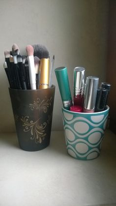 use empty candle jar to store your make up!