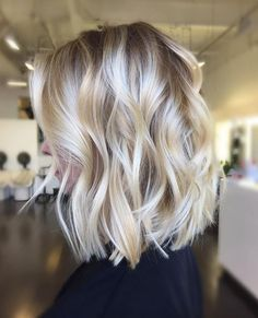 Mid length bob, beachy blond waves