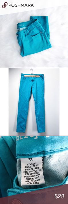 Teal Color Pop Skinny Jeans Teal blue/green skinny jeans. Add a fun pop of color to your fall wardrobe! In excellent pre-loved condition.  ✅Bundle & Save 🚫Trades 🚫Off-Posh 🚫Modeling  💞Shop with ease; I'm a Posh Ambassador.💞 Celebrity Pink Jeans Skinny