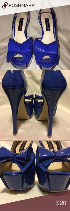 "💞Like New! 💙Royal Blue Heels! SM Rosalye 💋Like New! Only worn a few times! Tiny scuff on back left heel. Heel is 5.5"" 🎉🎉I am willing to trade for a size 9 comparable shoe.🎉👌🏽Will accept offers...Please be reasonable! No lowball offers😘 Steven by Steve Madden Shoes Heels"