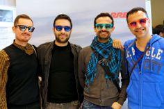 """I nostro gruppo di amici indossano i nuovi """"Metal Soul. Gli occhiali giusti e il sorriso perfetto sono gli ingredienti per uno stile inimitabile. Proprio come #Carrera #SVeventi"""