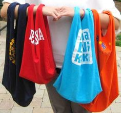 FASTEST RECYCLED T-SHIRT TOTE BAG: Are you looking for a great, low-cost recycling project to do at home or with a group? This is a great way to use last season's team t-shirts or a… T Shirt Recycle, Diy Recycle, Fabric Crafts, Sewing Crafts, Sewing Projects, Diy Projects, Sewing Tutorials, Upcycling Projects, Sewing Ideas