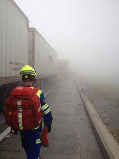 Protección Civil Santa Catarina, Nuevo León. Mochila Perfusion Statpacks y Casco de Rescate EOM durante un accidente en la Carr. Mty-Saltillo. EMS México     Equipando a los Profesionales