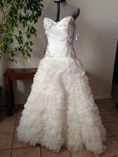 Preview advertisement recycled bride sundaysbridal pinterest 2298 wtoo 18713 size 10 ivory sample 399 all original recycled bridesize junglespirit Gallery