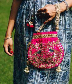 Diy Bags Easy, Simple Bags, Bag Illustration, Stitching Dresses, Potli Bags, Ethnic Bag, Diy Bags Purses, Fancy Tops, Indian Bridal Fashion
