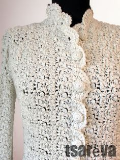 Handmade women cashmere day or special Crochet Lace, Crochet Tops, Linens And Lace, Types Of Yarn, Yarn Crafts, Silk Flowers, Doll Clothes, Collars, Knitwear
