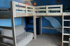 Etagenbett Mit Loft Catchy Bunk Bed With Play Floor With Diy Loft Bed With Plant Guide Pattern Corner Bunk Beds, Bunk Bed Rooms, Loft Bunk Beds, Bunk Beds With Stairs, Kids Bunk Beds, Boys Bunk Bed Room Ideas, Bedrooms, Cheap Bunk Beds, Double Loft Beds