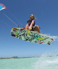 Girl #Kitesurfing #Kiteboarding Grab   Sun Putty 100% Natural Skin-Loving Sunscreen  #sunputty  http://www.sunputty.com