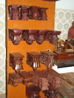 Traditional wooden brackets Wooden Brackets, Wall Brackets, Pooja Room Design, Puja Room, Indian Furniture, Carving Wood, Indian Home Decor, Wooden Decor, Décor Ideas
