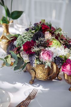 Bright and beautiful wedding flowers. See more - http://ohsoprettyplanning.com/cape-town-wedding-planner/galleries/#anj