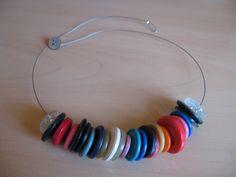 collana con bottoni colorati