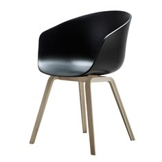 About a Chair 22, svart/ekben i gruppen Møbler / Stoler / Stoler hos ROOM21.no (105831)