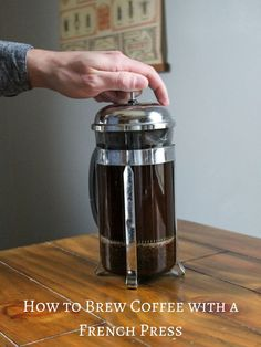 The French Press is one of the most widely recognized types of manual brew methods. It is a great starter brew method for someone who is looking to get into home brewing because it requires minimal equipment and is simple to use. Coffee Uses, Great Coffee, How To Brew Coffee, Coffee Facts, French Press Coffee Maker, Italian Coffee, Coffee Drinks, Iced Coffee, Coffee Time