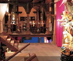 Face is a fantastic restaurant in Bangkok offering Thai, Indian and Japanese cuisines.  The building was designed by an Englishman but is expertly crafted to resemble a traditional Thai house and offers an excellent mix of intimacy and atmosphere.