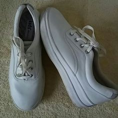 Keds Shoes Size 7.5 M Preowned Great Condition Keds Shoes Athletic Shoes