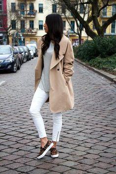 O Trench Coat é peça-chave no guarda-roupa e nunca sai de moda! Você pode montar looks mais quentinhos, mas também looks mais frescos, naqueles dias d...