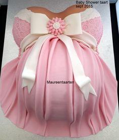 Pregnant belly cake zwangere buik taart