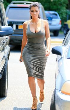 Kim Kardashian Thirst Trapping Photos Before Holiday