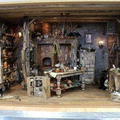 Haunted Dollhouse, Haunted Dolls, Dollhouse Miniatures, Dollhouse Interiors, Haunted Houses, Miniature Rooms, Miniature Crafts, Miniature Fairy Gardens, Halloween Miniatures