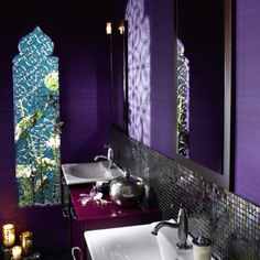 Coolest bathroom ever! Romantic much?
