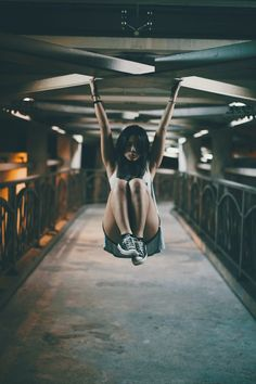 Great Fitness Ideas That Get You Into Shape. Having a higher level of fitness is a fantastic goal to have. Getting fit probably seems like a monumental undertaking, especially if you are starting from Strong Women Pictures, You Fitness, Health Fitness, Fitness Goals, 3 Chakra, Yoga, Bikini Pictures, Going To The Gym, Transformation Body