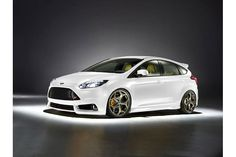 2012 ford focus ST in white.. Maybe my next car :)