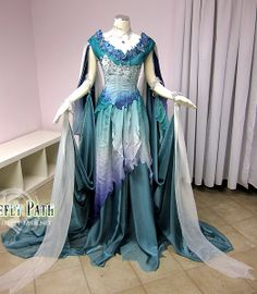 Fantasy dress A Better World Ice Goddess by Lillyxandra on deviantART Pretty Outfits, Pretty Dresses, Beautiful Dresses, Cool Outfits, Medieval Gown, Fantasy Gowns, Fairy Dress, Fantasy Costumes, Looks Cool
