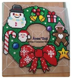Christmas wreath perler beads by anaisna_anesthesiologist So