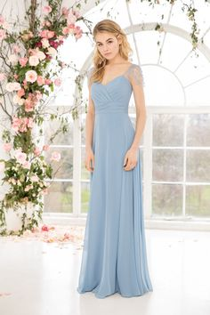 Kelsey Rose 2019 bridesmaids dresses is filled to the brim with feminine, youthful and fresh looks that are ahead of the game in bridal fashion. Aqua Blue Bridesmaid Dresses, Pastel Bridesmaid Dresses, Bridesmaid Dresses With Sleeves, Beautiful Bridesmaid Dresses, Blue Bridesmaids, Wedding Bridesmaids, Prom Dresses, Wedding Dresses, Formal Dresses
