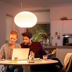 Philips Hue White & Color Ambiance Flourish LED-Pendelleuchte weiß - Pendelleuchten - Leuchten - LEDs.de Philips Hue, Flourish, Color, Round Pendant Light, Luminous Flux, Light Fixtures, Colour, Colors