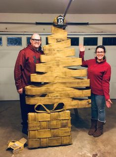 A Christmas tree made out of an old fire hose! So clever!You can find Fire department and more on our website.A Christmas tree made out of an old fire hose! So clever! Wall Hanging Christmas Tree, Unique Christmas Trees, Christmas Tree Crafts, Christmas Gifts, Fire Hose Projects, Fire Hose Crafts, Firefighter Crafts, Firefighter Room, Fire Hall