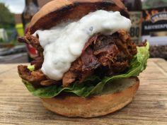 Pulled lamb burger with garlic dip - english Grill- and BBQ-Recipe - 081...