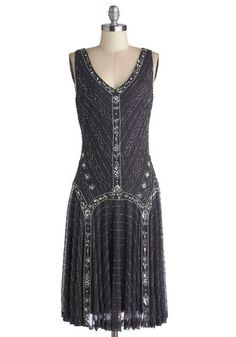 Dress in style with Great Gatsby dresses dazzeling in beaded, fringe, and sequins. Great Gatsby plus size dresses, dresses with sleeves, long dresses and Vintage Outfits, Retro Vintage Dresses, Vintage Mode, Retro Dress, Gatsby Dress For Sale, Great Gatsby Dresses, 1920s Dress, 1920s Party Dresses, 20s Fashion