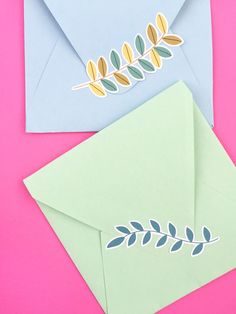 DIY Stationery - Leaf Stickers - Maritza Lisa: Create your own floral stickers using the print and cut feature of your Silhouette cutting tool. These stickers can decorate your packages or act as seals on your envelopes. Click through for the tutorial...