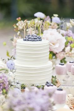Wedding Cakes, Table Decorations, Desserts, Color, Purple, Summer, Kitchens, Birthday, Wedding Gown Cakes