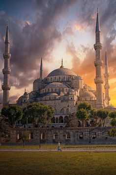 by Mohammed Abdo on - Vartan Gochian - - Sultan Ahmet . by Mohammed Abdo on - Vartan Gochian Turkish Architecture, Mosque Architecture, Beautiful Architecture, Architecture Photo, Hagia Sophia, Beautiful Mosques, Beautiful Places, Turkey Destinations, Istanbul Travel