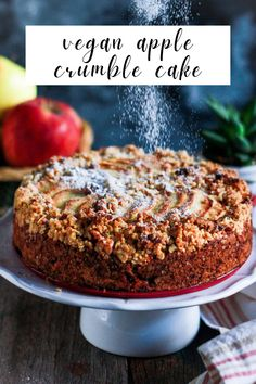 Vegan Apple Crumble Cake - chunks of juicy apples, soft cinnamon scented sponge, crunchy streusel topping. An easy, delightful bake! Roasted Apples, Baked Apples, Vegan Recipes Easy, Baking Recipes, Recipe Using Apples, Apple Crumble Cake, Artisan Food, Classic Cake, Streusel Topping