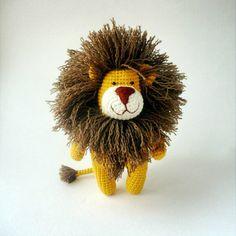А это самый загадочный зверь  Никто не угадал, кто будет жёлтого цвета  Лев, очень добрый, несмотря на свою брутальную волосатость