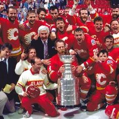 1989 brought the city of Calgary their first Stanley Cup. It was an amazing time to be a hockey fan in Calgary. Stanley Cup Playoffs, Stanley Cup Champions, Ice Hockey Teams, Hockey Stuff, Sports Teams, Hockey World, Canadian Girls, Hockey Cards, National Hockey League