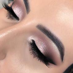 eye makeup natural Eye Makeup Tips That Nobody Told You About 2 Makeup Eye Looks, Day Makeup, Eye Makeup Tips, Makeup Trends, Makeup Ideas, Eye Shadow Makeup, Makeup Looks For Prom, Makeup Products, Wedding Eye Makeup