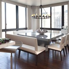 Modern uptown NYC dining room by Purvi Padia Design. Love her style! Follow @purvipadiadesign